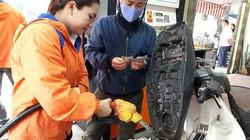 """Giá xăng dầu thế giới biến động mạnh, Bộ Công Thương hứa không tăng """"sốc"""""""