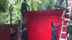 """Video: Cảnh sát Đài Loan đột kích nơi """"tu"""" của kẻ tự xưng """"bồ tát sống"""""""
