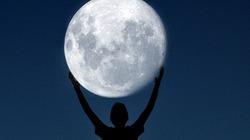 """Bộ ảnh """"độc"""": Mặt trăng - với tay là chạm tới"""