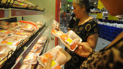 Không nên ăn gà thải Hàn Quốc