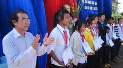 Giúp học sinh nghèo thực hiện ước mơ