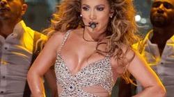 "Jennifer Lopez ""lấp lánh"", bốc lửa trên sân khấu"