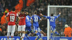 """Schalke """"bắn hạ"""" pháo đài Emirates của Arsenal"""
