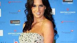 "Cựu Hoa hậu Anh tự tin sau sự cố ""vỡ túi silicon"""