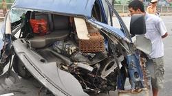 Hà Nội: Xe tải đâm xe bus, hai người nhập viện