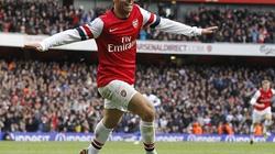 """Clip: Arsenal """"thắng nhọc"""" QPR"""