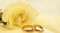Kết hôn 8 năm mới biết chồng là... phụ nữ