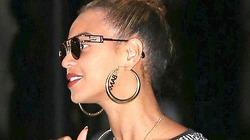 """Beyonce đeo khuyên tai """"Obama"""", ủng hộ tổng thống"""