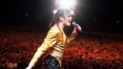 Michael Jackson kiếm bộn tiền sau khi chết