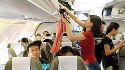Khách Trung Quốc lục trộm đồ trên máy bay VNA