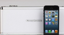 """Hộp iPhone 5 """"nhái"""" cầu kỳ, bí ẩn như của... điệp viên"""