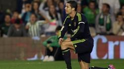 """Real bất ngờ bị Betis cho """"phơi áo"""""""
