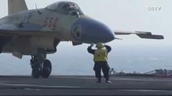 Máy bay Trung Quốc hạ cánh thành công trên tàu sân bay