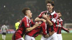 """Robinho lập công, Milan """"bắn hạ"""" Juve"""