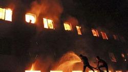 Chập điện, lửa thiêu rụi 500m2 nhà xưởng