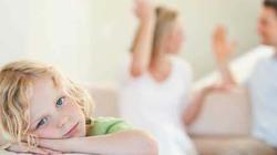 Bố mẹ cãi nhau, con dễ trầm cảm