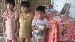 Đắng lòng cảnh ba đứa trẻ mồ côi trong căn nhà nát