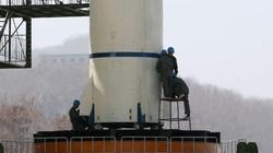 Bình Nhưỡng tháo bỏ một phần tên lửa khỏi bệ phóng