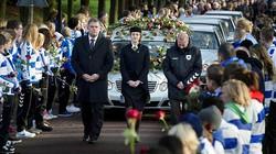 CĐV Hà Lan đẫm lệ tiễn đưa trọng tài bị giết
