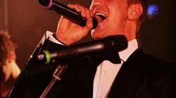 Dự lễ gây quỹ từ thiện, thủ môn Joe Hart trổ tài hát ca