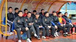 Bị hạ nửa lương, cầu thủ Ninh Bình không dám kêu