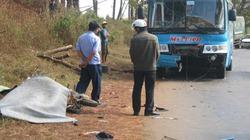 Xe máy tông ô tô, 2 người thiệt mạng