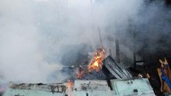 Hà Nội: Lửa thiêu rụi 9 ngôi nhà nơi xóm nghèo