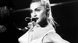 """1,6 tỷ đồng cho """"bra chóp nón"""" của Madonna"""