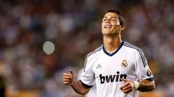 Ronaldo: Người đàn ông lại muốn cài hoa trên tóc