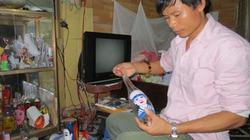 Anh lính trinh sát có biệt tài vẽ tranh trong chai