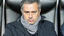 Mourinho bắt đầu sợ bị Real sa thải