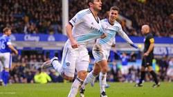 Everton-Chelsea (1-2): Lampard tỏa sáng