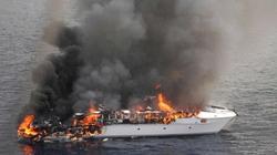 Du thuyền siêu sang phát nổ tan tành ngoài khơi Australia