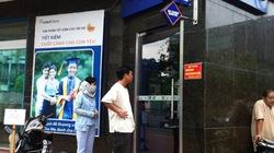 ATM: Phí cứ tăng, chất lượng vẫn bỏ ngỏ