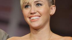 """Miley Cyrus được trả triệu đô để đóng phim """"nóng"""""""