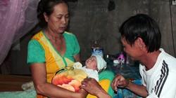 Gửi bé sơ sinh bị chôn sống vào Trung tâm nuôi dưỡng trẻ mồ côi