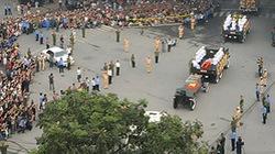 Toàn cảnh người dân ở Thủ đô tiễn Đại tướng về đất mẹ Quảng Bình
