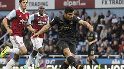 Aguero tỏa sáng, Man City vào Top 4 Premier League