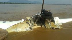 Toàn cảnh hiện trường trục vớt thân máy bay gặp nạn từ sông Mekong