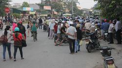 NÓNG: Dân quá khích, QL1A đoạn qua Quảng Ngãi tiếp tục bị ùn tắc