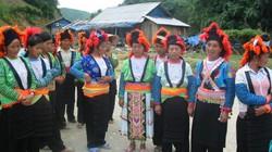 Vận động người Mông thay đổi hủ tục tang lễ