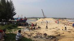 Vụ dân quá khích vây trụ sở huyện: Lãnh đạo tỉnh đối thoại với dân