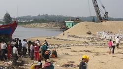 Quảng Ngãi:  Thuê tàu Singapore  khắc phục cửa biển bị cát bồi