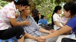 Giả bị vong ám, PV Dân Việt được 'nhà ngoại cảm' giải vong thế nào?