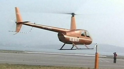 SỐC: Clip phi công thi mở nắp bia bằng… trực thăng