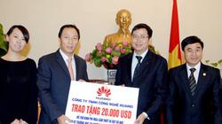 Trao tặng 20.000 USD cho hai trường ở Quảng Trị