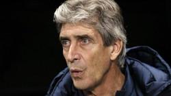 Hạ Norwich 7-0, HLV Man City chưa hết bực bội