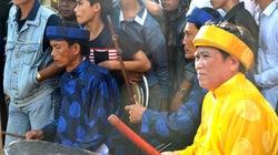 Chuyện người phụ nữ đánh… trống chầu ở Bình Định