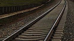 Lào Cai: Tàu trật đường ray, cả tuyến tê liệt