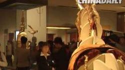 """Chiêm ngưỡng áo giáp hàng """"khủng"""" gắn... 4.000 tấm vàng"""